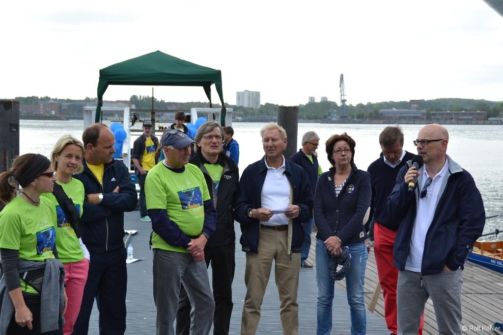 """Begrüßung der Teilnehmer der Benefiz-Regatta """"""""Rudern gegen Krebs"""""""" am 31. Mai 2014 in Kiel"""
