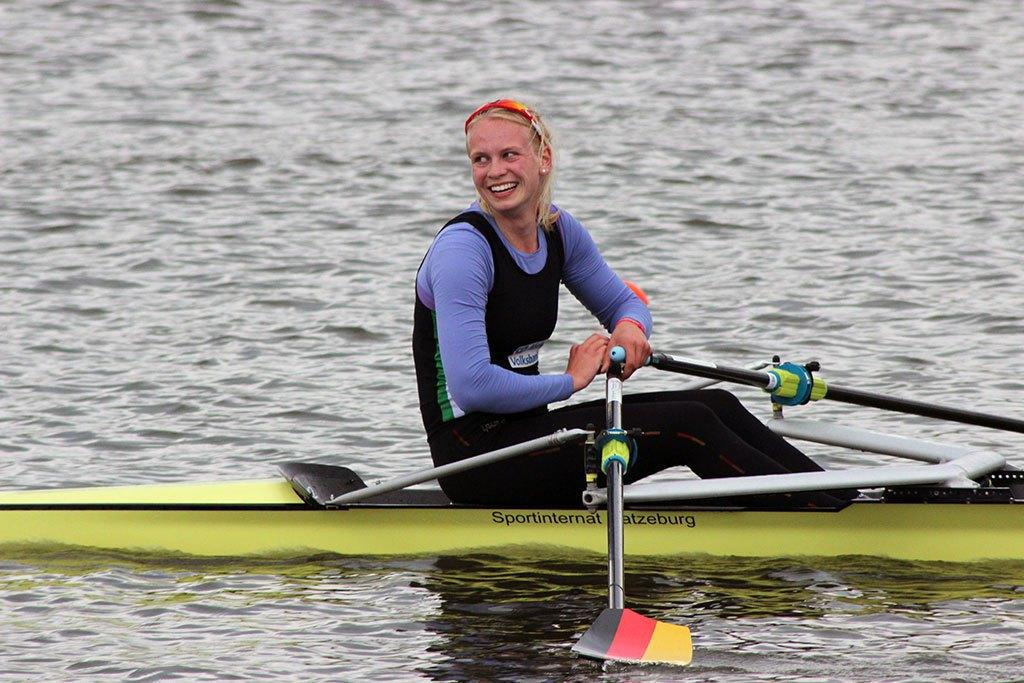 Frieda Hämmerling im Renneiner bei den Deutsche Kleinbootmeisterschaften vom 15. bis 17. April 2016 in Köln
