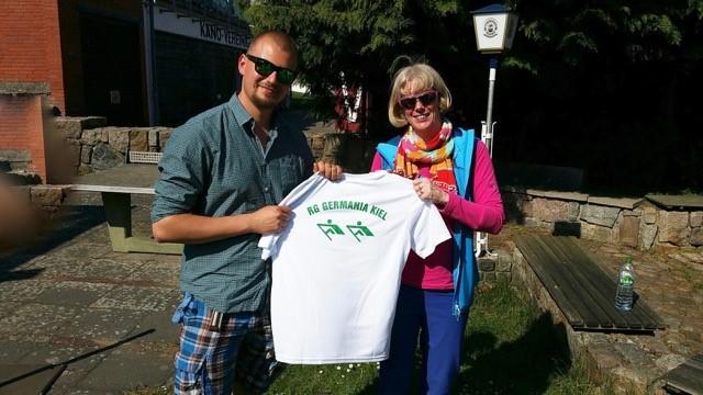 RG Germania gewinnt Funktions-Shirts