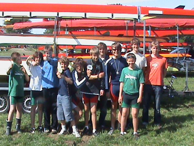 Kinder und Jugendliche im Skiff-Camp