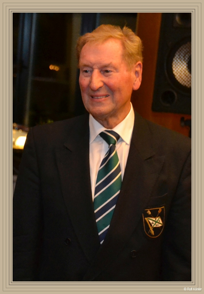 Ehrung des langjährigen ehem. Vorsitzenden Uwe Zwingmann für 60-jährige Mitgliedschaft am 7. November 2015
