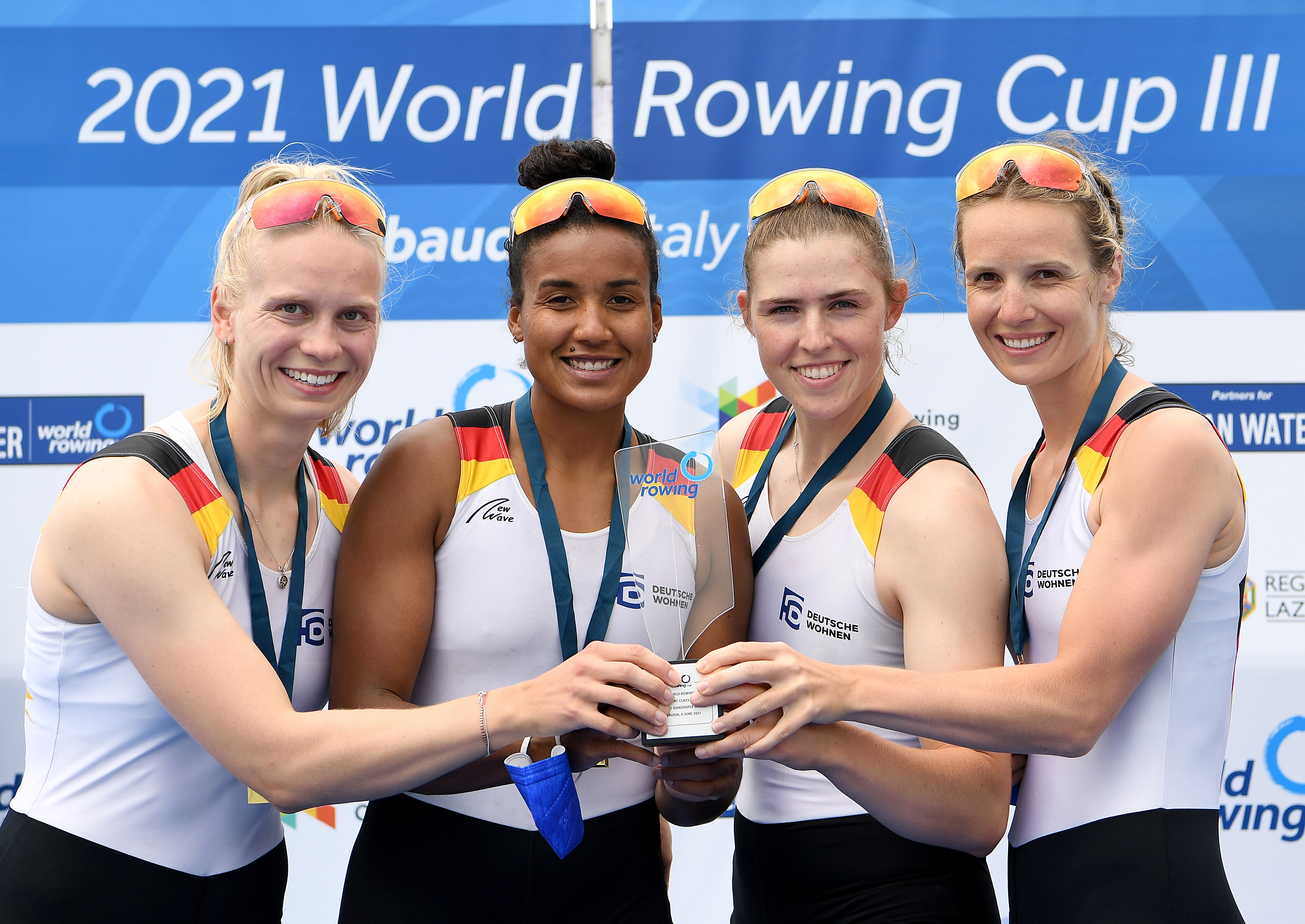 Pokal für den Weltcup-Gesamtsieg des Frauen-Doppelvierers beim Weltcup III in Sabaudia (Italien) vom 4. bis 6. Juni 2021
